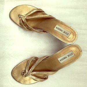 Steve Madden Gold Heels Sandals Thongs 8M
